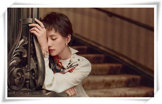 温柔娴静 刘诗诗佩戴欧米茄腕表&珠宝登杂志封面