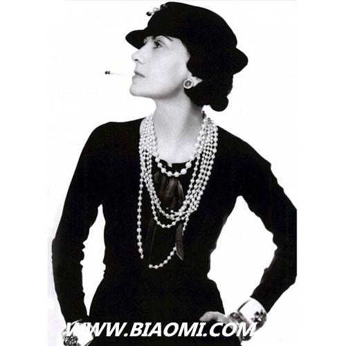"""众星喜爱的Chanel腕表已步入""""而立之年 """" J12 Première Boy·friend CODE COCO 香奈儿 手表百科  第1张"""