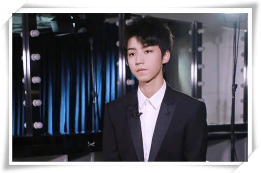 王俊凯又get新技能了?来看有总裁范儿的他怎样演绎腕表