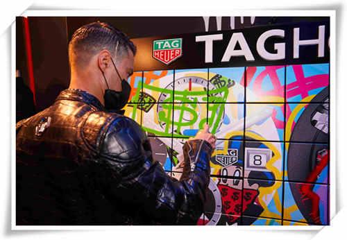艺术碰撞时间:TAG Heuer泰格豪雅携手先锋艺术家Alec Monopoly发布两款腕表新作