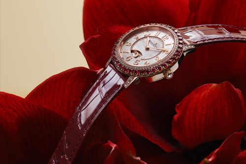 全新积家DAZZLING RENDEZ-VOUS RED 约会系列珠宝腕表红色限量款