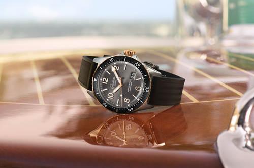 格拉苏蒂原创发布新款 SeaQ Panorama Date SeaQ 大日历腕表