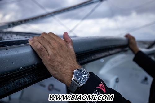 格拉苏蒂原创格与德国赛艇运动员扬帆同行 SeaQ大日历腕表助力鲍里斯·赫尔曼远跨重洋,征战环球航行 鲍里斯·赫尔曼远 格拉苏蒂原创 SeaQ 热点动态  第2张
