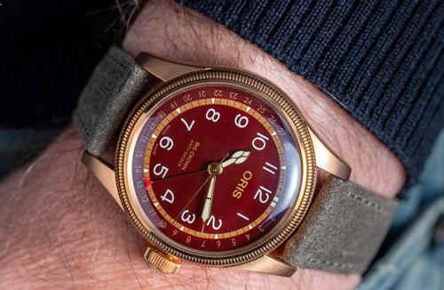 豪利时大表冠指针式日历青铜腕表